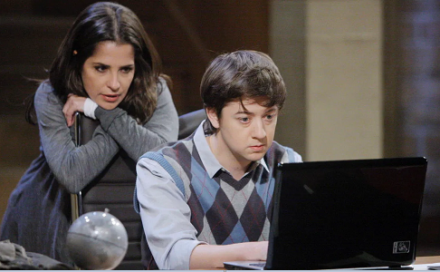Sam and Spinelli on computer